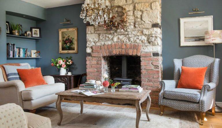 Камин в современном дизайне дома