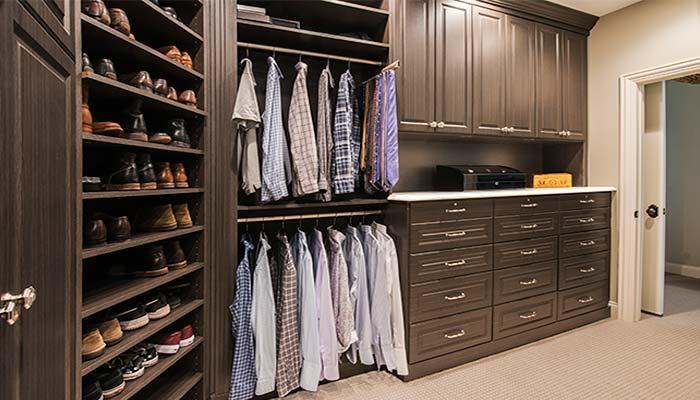 Особенности оформления гардеробной комнаты